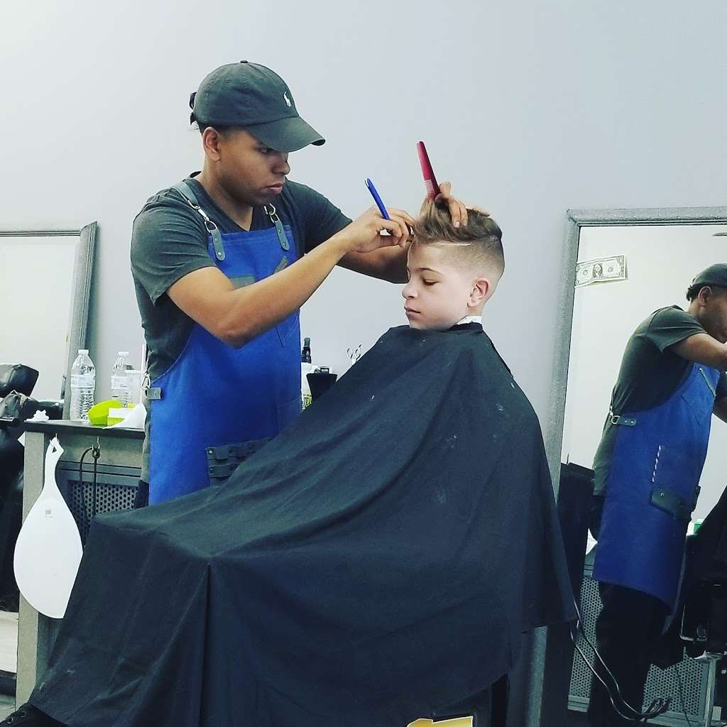 The Blueprint Barbershop - hair care    Photo 4 of 5   Address: suite 118 13807, Landstar Blvd, Orlando, FL 32824, USA   Phone: (321) 800-6807