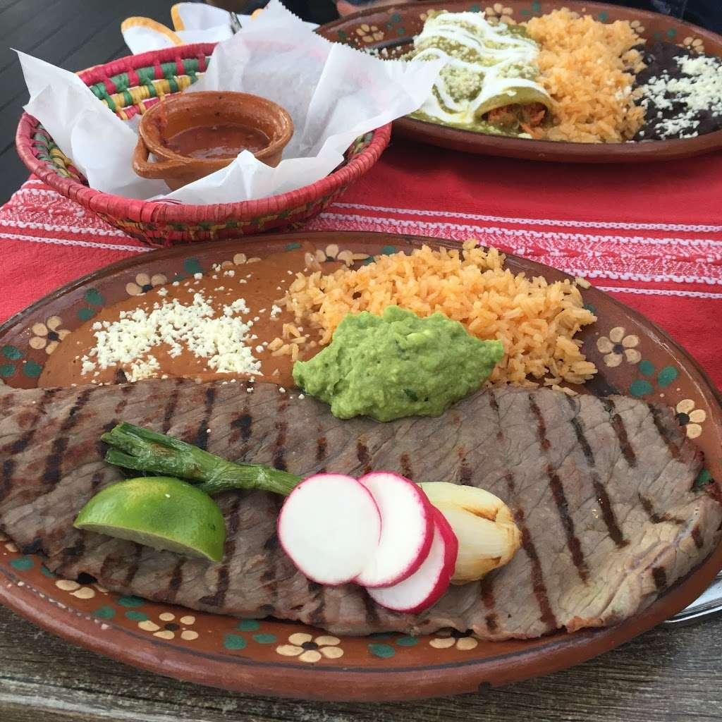 Charritos Weehawken - restaurant  | Photo 8 of 10 | Address: 974 John Fitzgerald Kennedy Blvd, Weehawken, NJ 07086, USA | Phone: (201) 330-1130