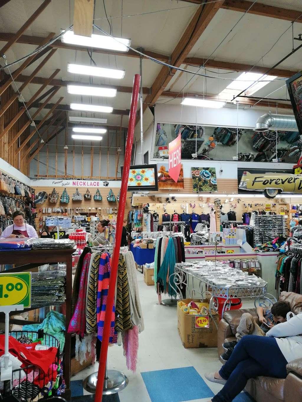 Forever Deals - clothing store  | Photo 4 of 10 | Address: 1141 Bay Blvd, Chula Vista, CA 91911, USA | Phone: (619) 575-4555