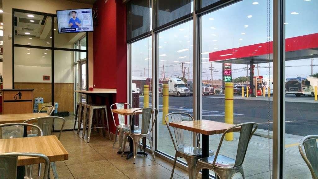 Pilot Express - store  | Photo 9 of 10 | Address: 400 Doremus Ave, Newark, NJ 07105, USA | Phone: (973) 589-3090