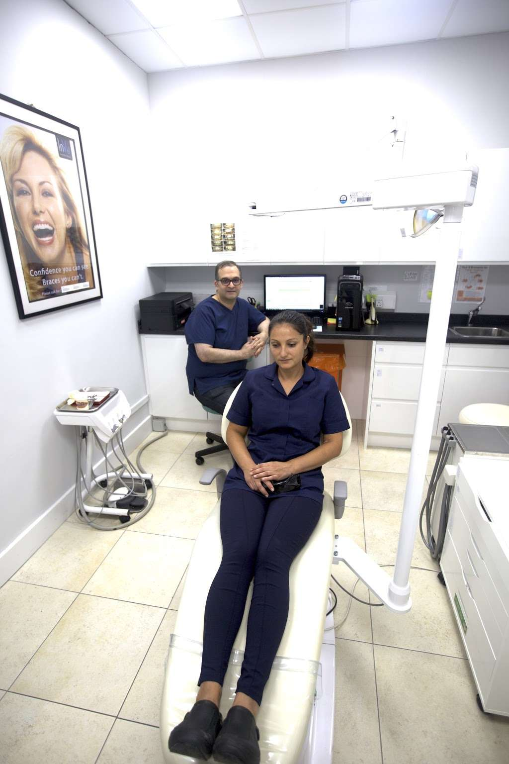 Wembley Orthodontic Centre - dentist  | Photo 6 of 10 | Address: 116 Windermere Ave, Wembley HA9 8RB, UK | Phone: 020 8904 5075