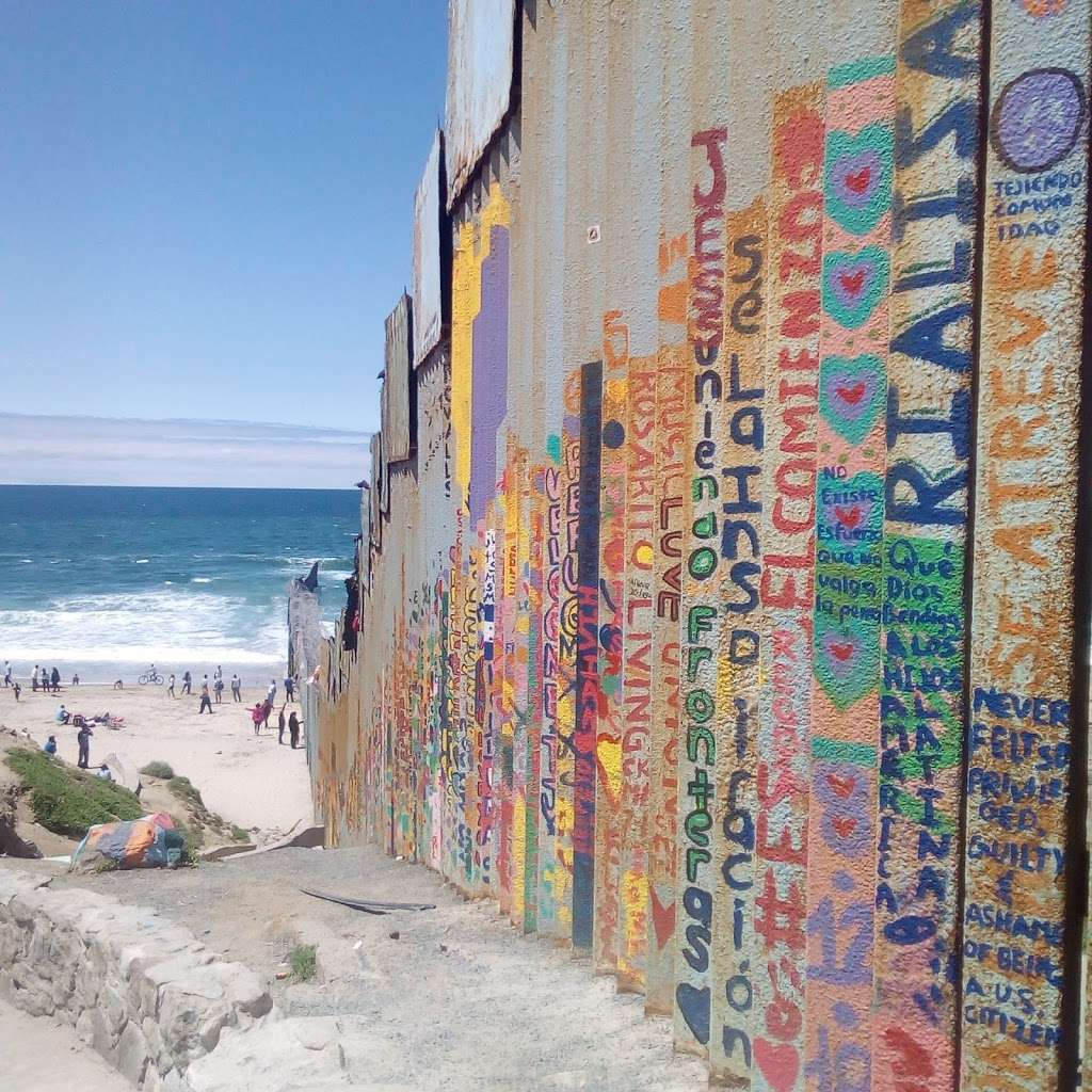 El Muro en la Playa, Tijuana - museum  | Photo 9 of 10 | Address: Faro, Monumental, Tijuana, B.C.