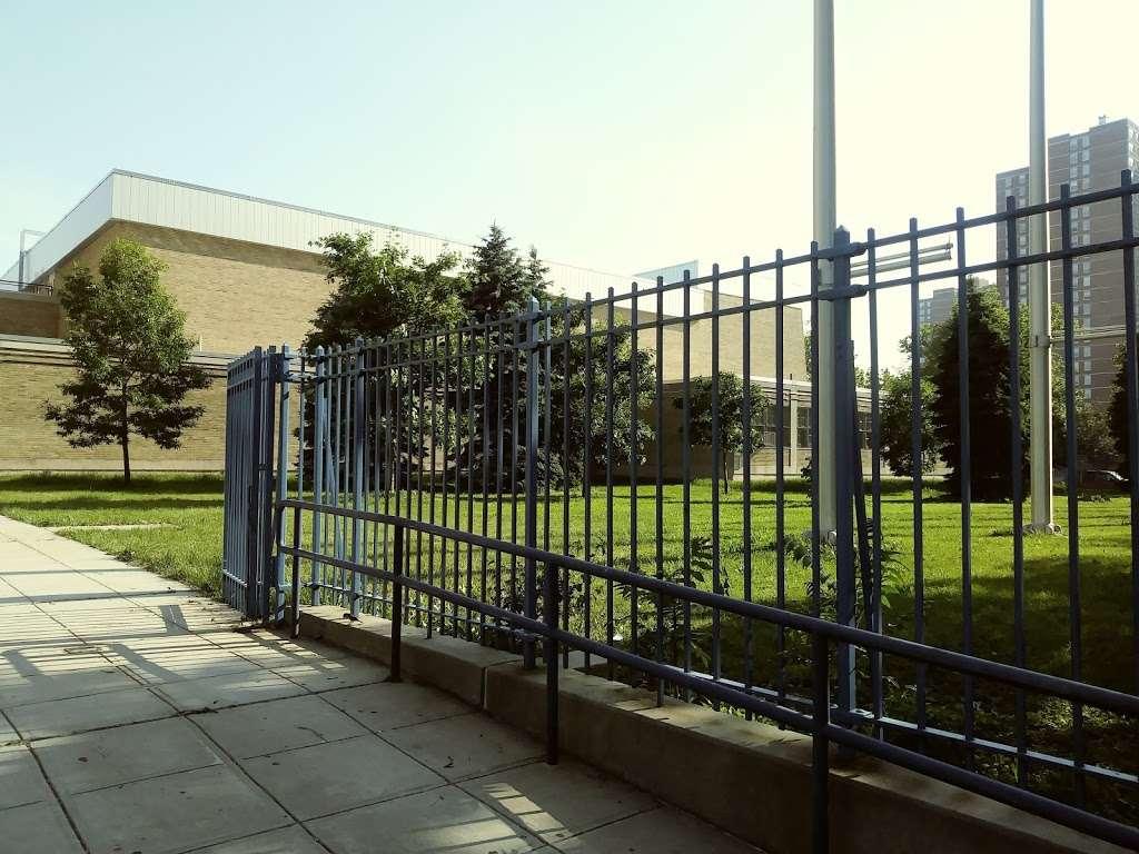 Adlai E Stevenson High School Campus - school    Photo 5 of 7   Address: 1980 Lafayette Ave, The Bronx, NY 10473, USA   Phone: (718) 918-2700