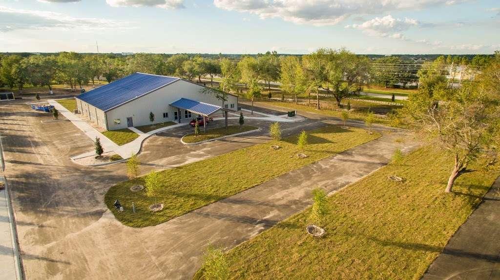 Centro Cristiano Dios De Pactos Florida - church  | Photo 1 of 10 | Address: 1130 Simmons Rd, Kissimmee, FL 34744, USA | Phone: (407) 870-5858