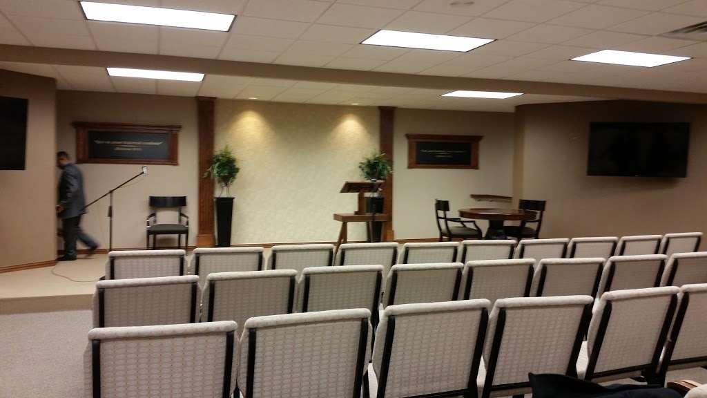Kingdom Hall of Jehovahs Witnesses - church  | Photo 2 of 3 | Address: 5050 Bernal Dr, Dallas, TX 75212, USA | Phone: (214) 742-8975