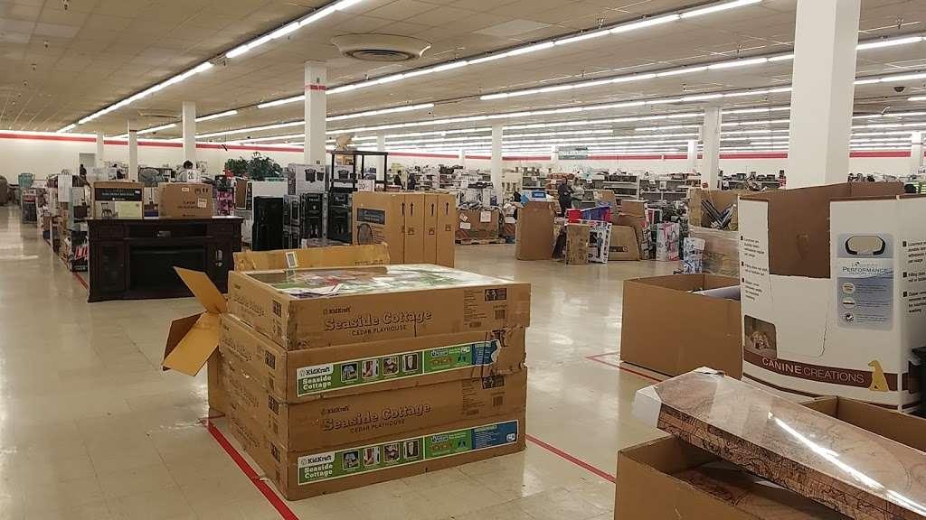 Treasure Hunt - Fontana - store  | Photo 4 of 10 | Address: 17099 Valley Blvd, Fontana, CA 92335, USA | Phone: (909) 829-1207