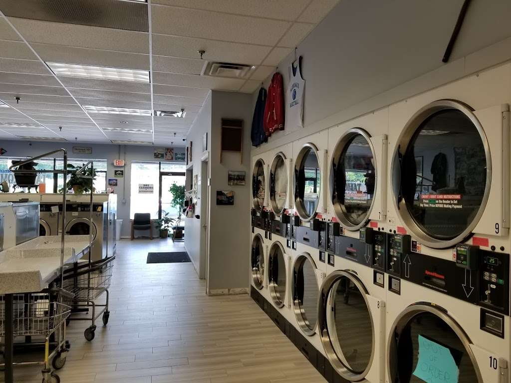 Merrimack Commons Laundromat - laundry  | Photo 1 of 10 | Address: 515 Daniel Webster Hwy, Merrimack, NH 03054, USA | Phone: (603) 262-5718