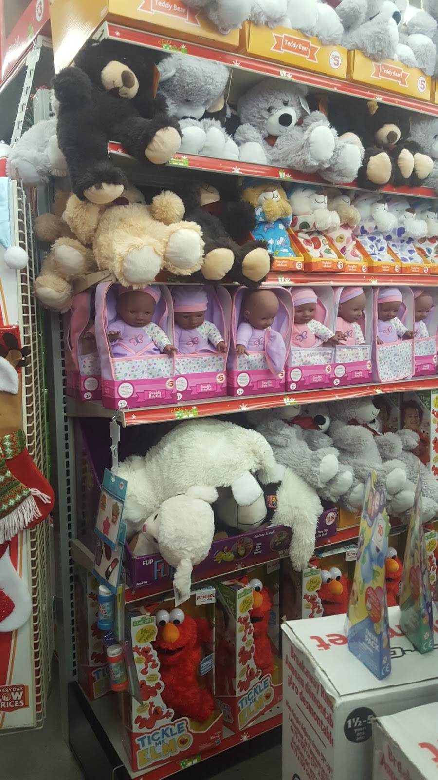 Family Dollar - supermarket  | Photo 2 of 7 | Address: 3333 Palm Ave, Hialeah, FL 33012, USA | Phone: (786) 988-6189