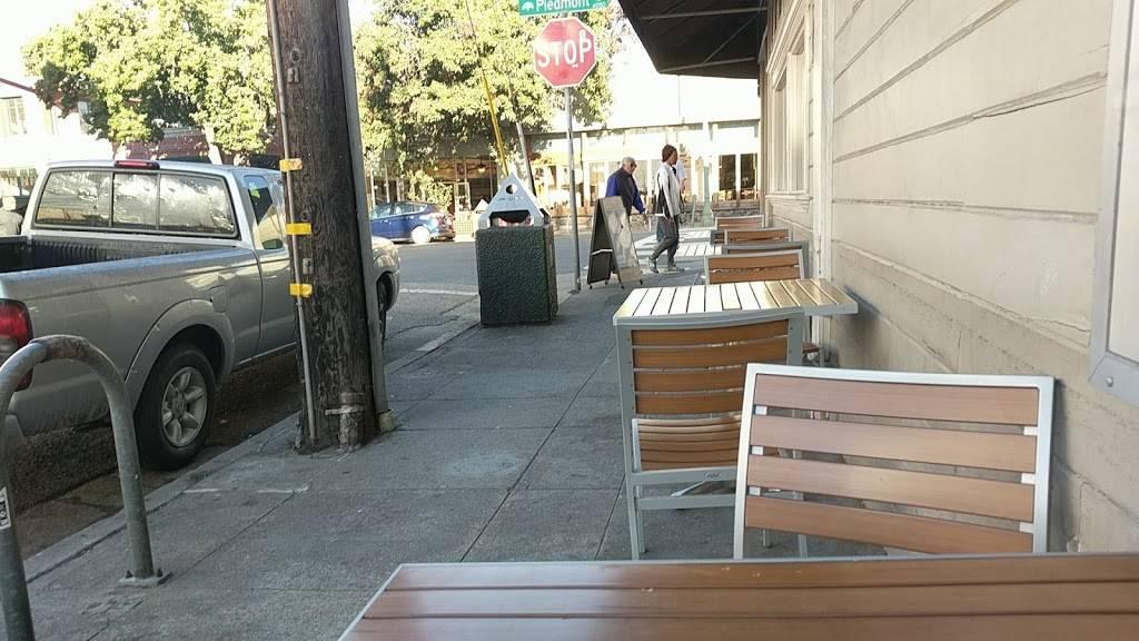 Peets Coffee - cafe    Photo 5 of 10   Address: 4050 Piedmont Ave, Oakland, CA 94611, USA   Phone: (510) 655-3228