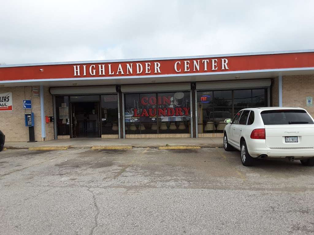 Highlander Center - laundry  | Photo 6 of 9 | Address: 405 Main St #403, Schertz, TX 78154, USA | Phone: (210) 659-7608