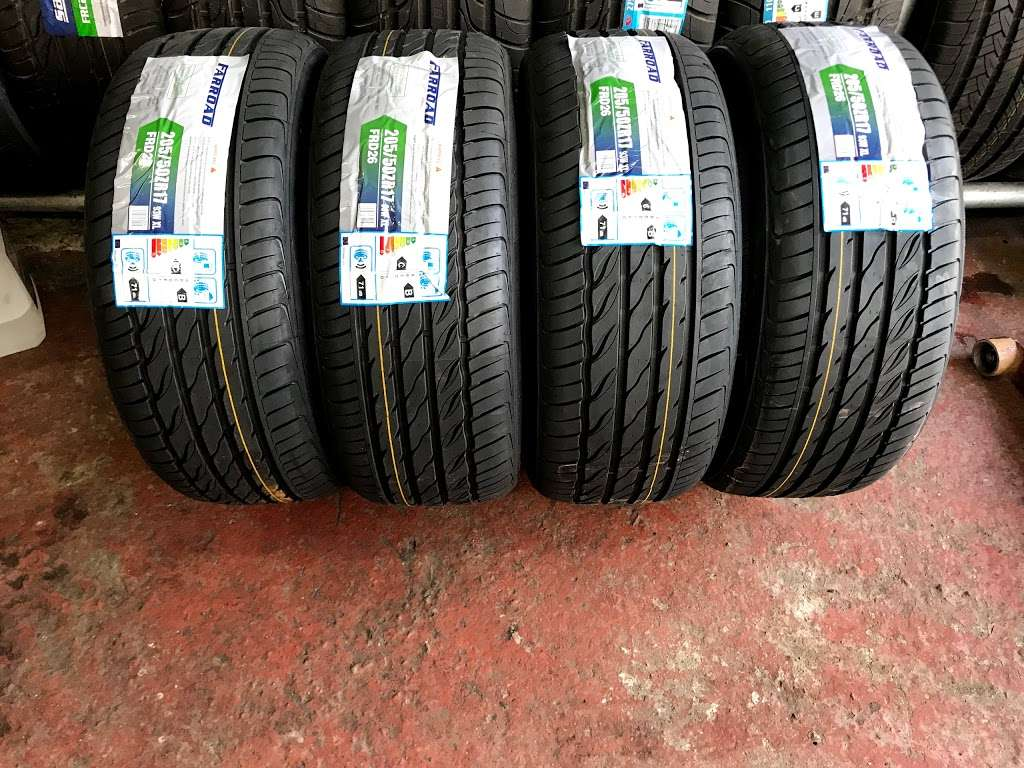 Quick Tyre & Car services - car repair  | Photo 9 of 10 | Address: Craven Park, Harlesden, London NW10 8SQ, UK | Phone: 07427 679906