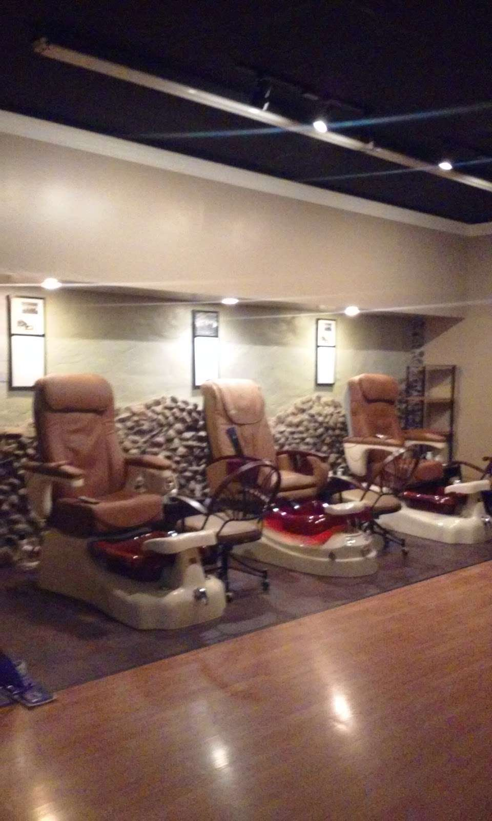 Pedi Lounge Nail Salon & Spa - hair care  | Photo 3 of 10 | Address: 1827 N Madison Ave Suite B, Anderson, IN 46011, USA | Phone: (765) 393-0015