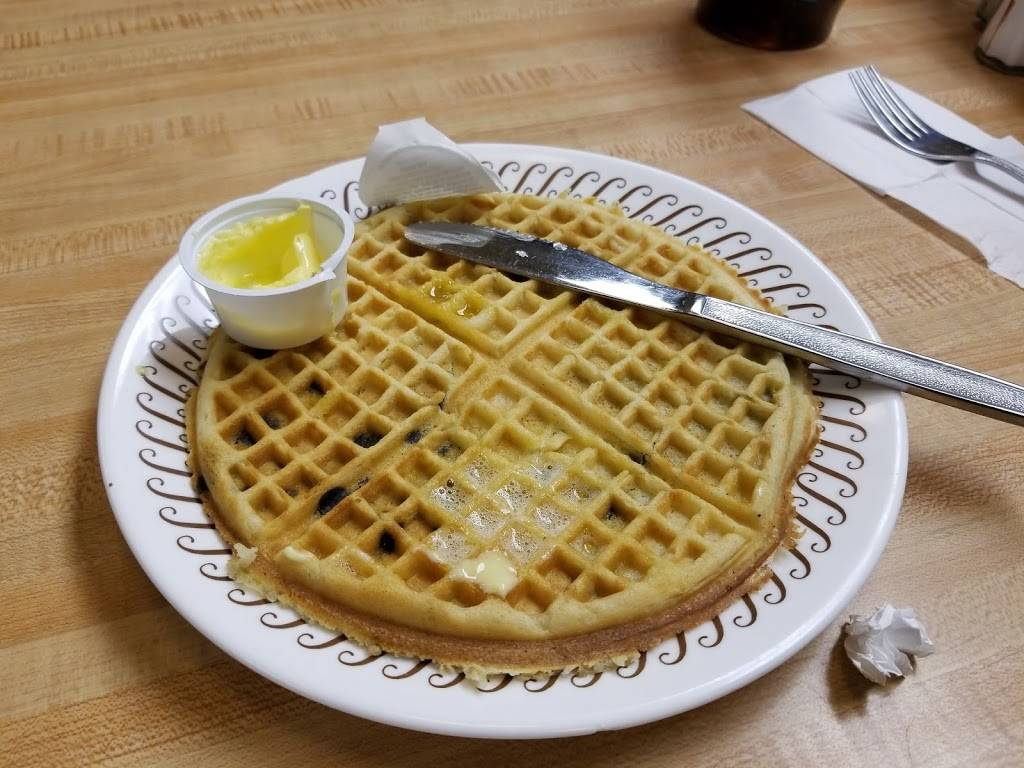 Waffle House - meal takeaway  | Photo 3 of 10 | Address: 120 W Spring Valley Rd, Richardson, TX 75081, USA | Phone: (972) 231-4802