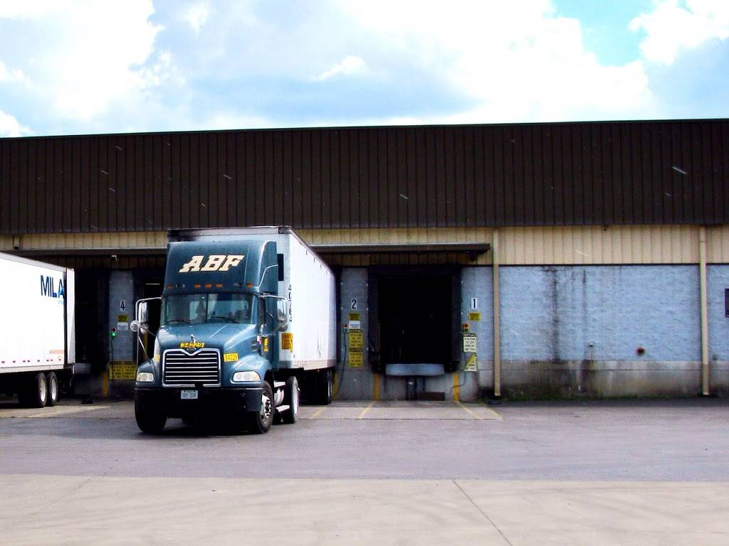 ABF Freight - moving company  | Photo 1 of 1 | Address: 890 Visco Dr, Nashville, TN 37210, USA | Phone: (615) 255-5574