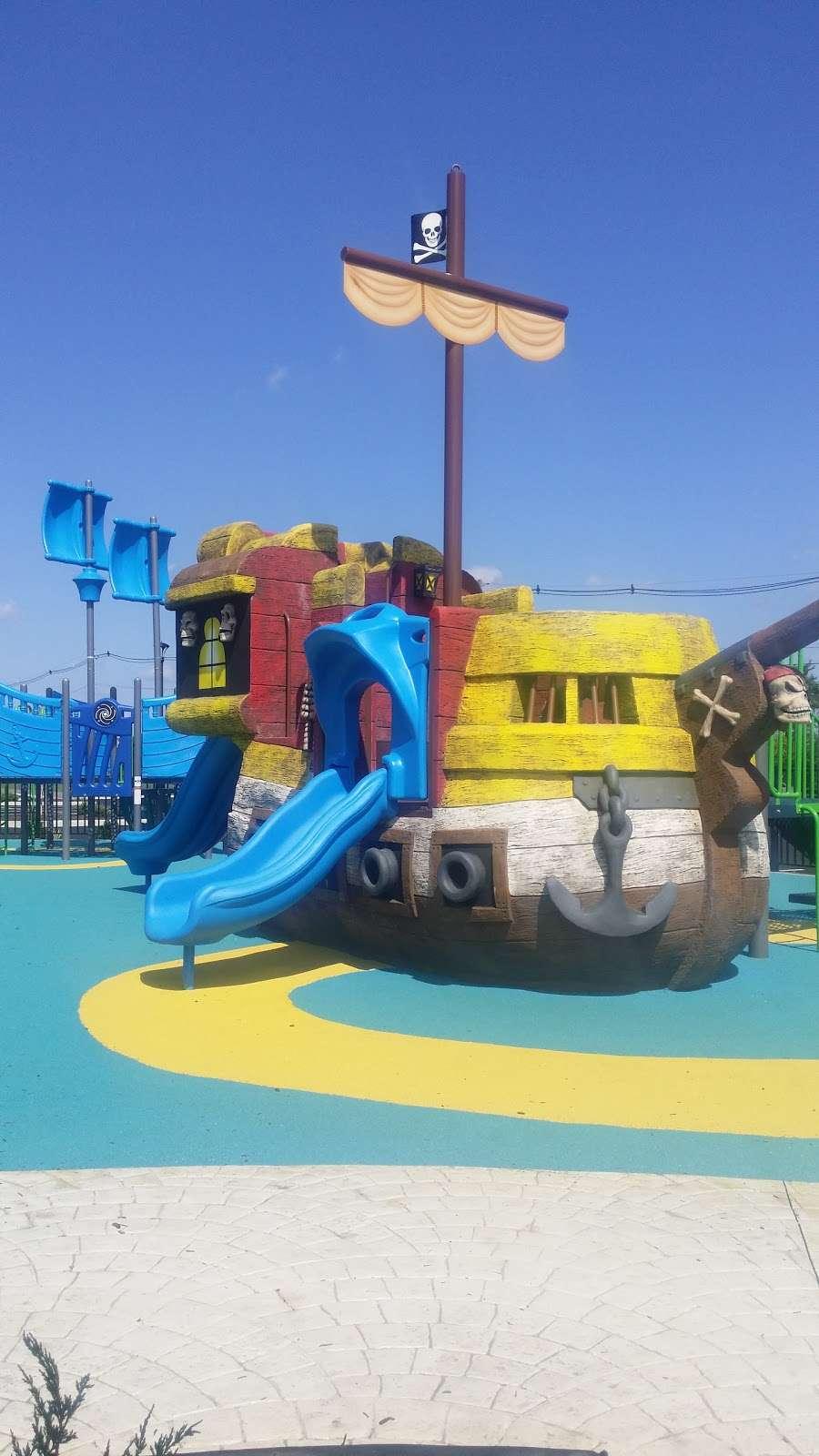 Pirate's Cove - park  | Photo 6 of 10 | Address: 449 Raritan Blvd, Keyport, NJ 07735, USA | Phone: (908) 587-4137