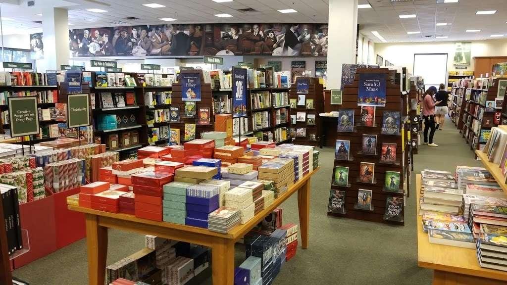 Barnes Noble Book Store 1923 W Malvern Ave Fullerton