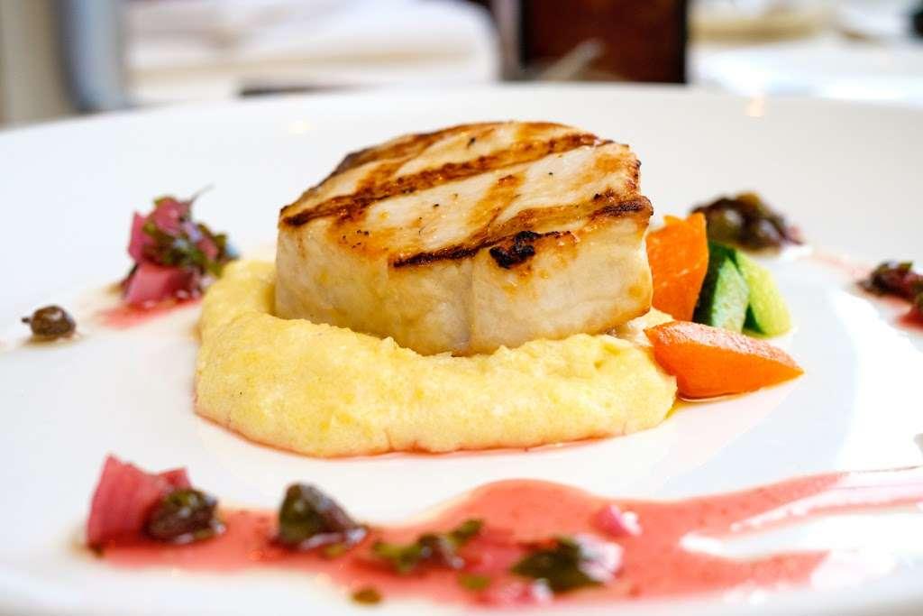 Andres Lakeside Dining - restaurant  | Photo 2 of 10 | Address: 112 Tomahawk Trail, Sparta Township, NJ 07871, USA | Phone: (973) 726-6000