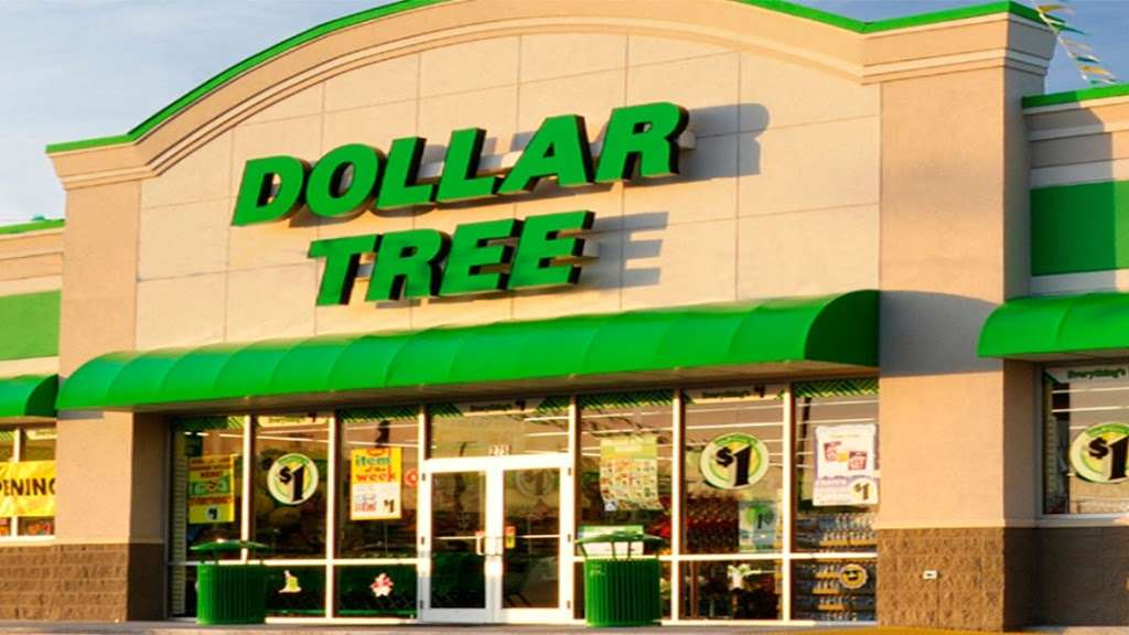 Dollar Tree - furniture store  | Photo 1 of 10 | Address: 7201 Shoppes Dr, Melbourne, FL 32940, USA | Phone: (321) 615-9218