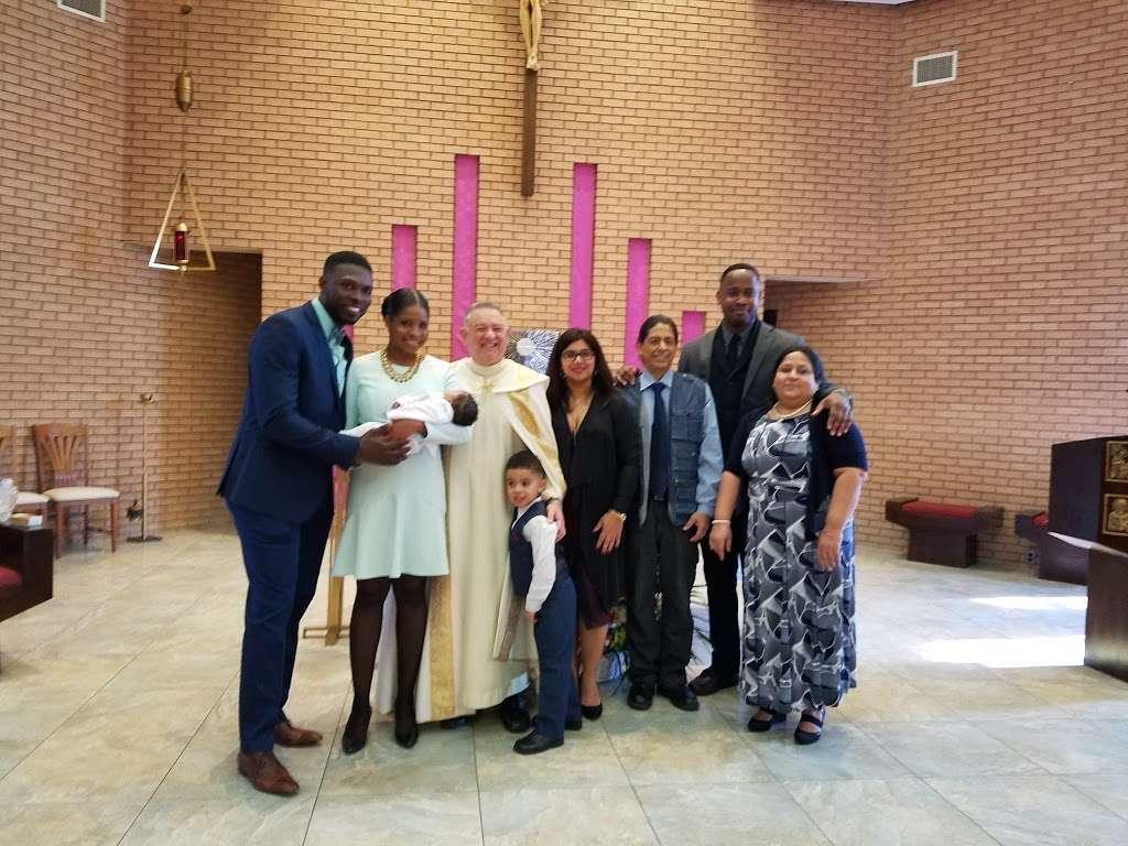 Holy Trinity Roman Cath Church - church  | Photo 3 of 10 | Address: 14-51 143rd St, Whitestone, NY 11357, USA | Phone: (718) 746-7730