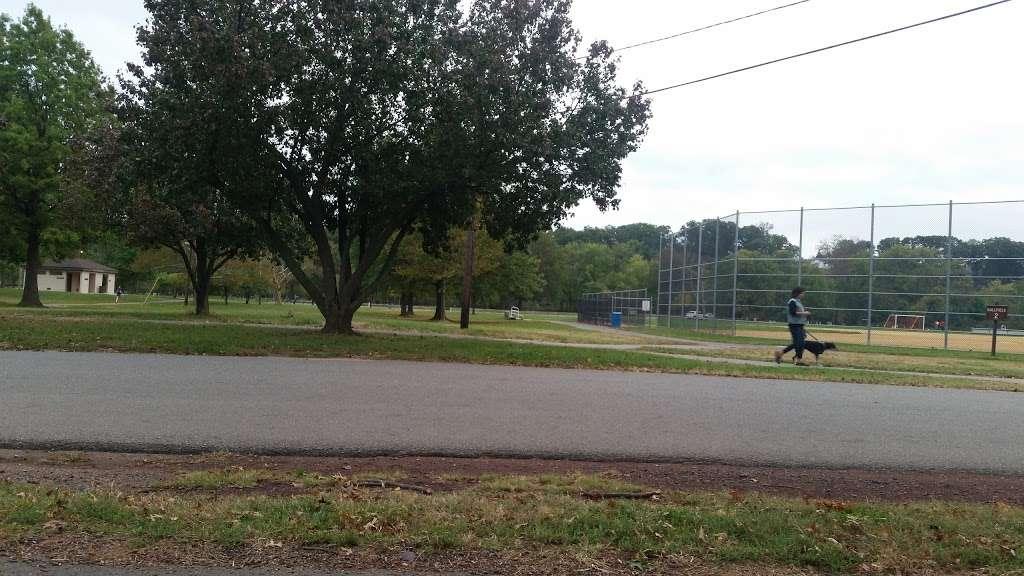 Donaldson Park - gym  | Photo 4 of 8 | Address: S 2nd Ave, Highland Park, NJ 08904, USA