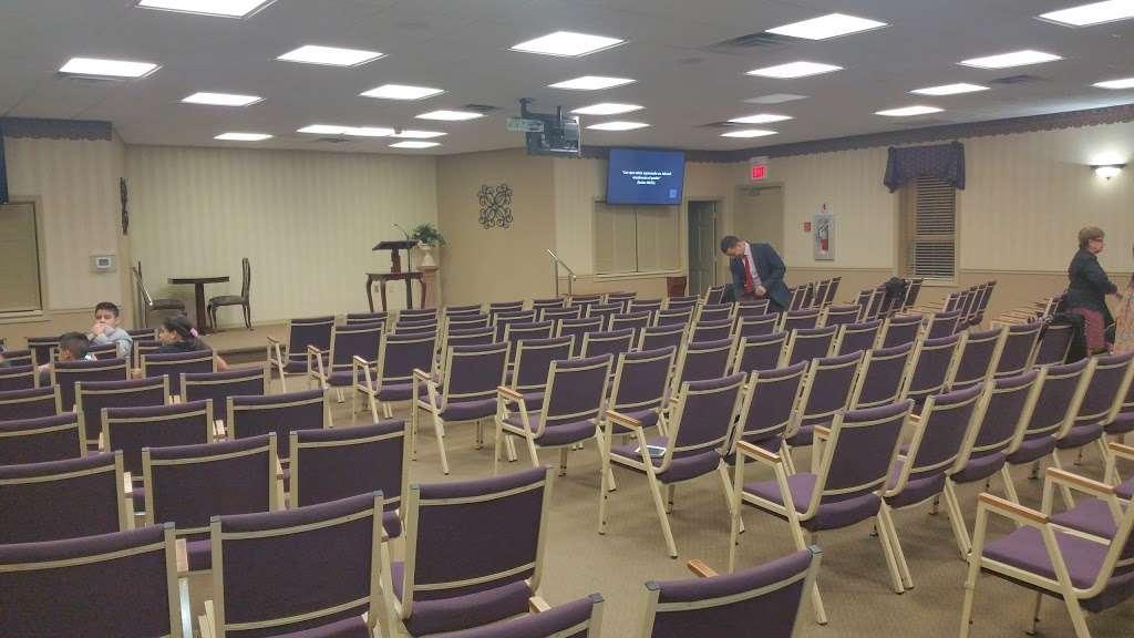 Kingdom Hall of Jehovahs Witnesses - church  | Photo 3 of 9 | Address: 255 Goodwin St, Perth Amboy, NJ 08861, USA | Phone: (732) 442-9080
