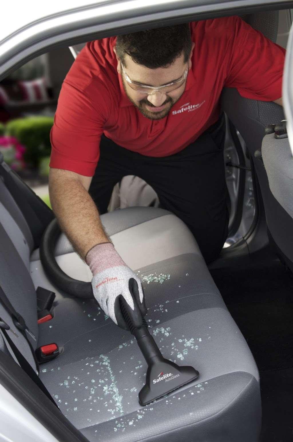 Safelite AutoGlass - car repair  | Photo 6 of 6 | Address: 1761 Columbia Ave, Lancaster, PA 17603, USA | Phone: (717) 925-8830