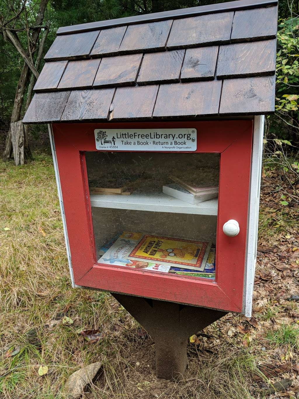 Leonard Schine Preserve & Childrens Natural Playground - museum  | Photo 3 of 10 | Address: 27-99 Glendinning Pl, Westport, CT 06880, USA