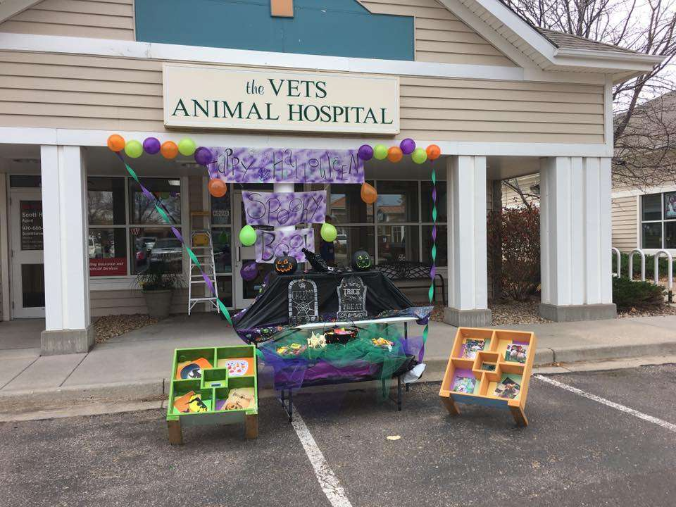 The Vets Animal Hospital - veterinary care    Photo 7 of 10   Address: 1295 Main St, Windsor, CO 80550, USA   Phone: (970) 686-5025