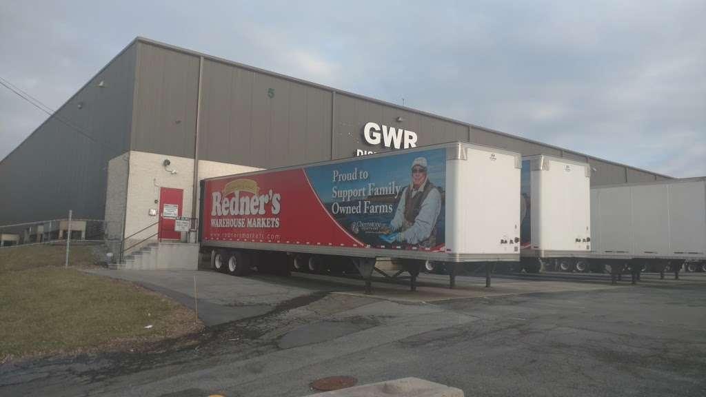 Redners Warehouse Markets - storage  | Photo 3 of 4 | Address: 4201 Pottsville Pike #9, Reading, PA 19605, USA | Phone: (610) 929-8683