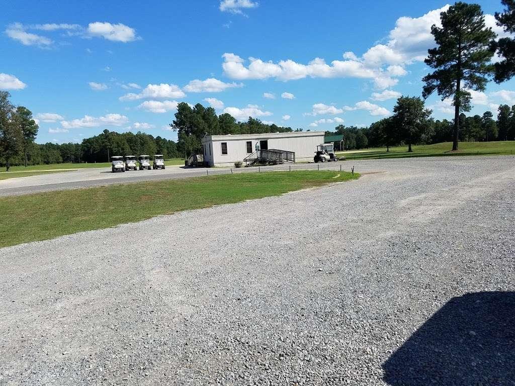 Queenfield Golf Club - school  | Photo 8 of 10 | Address: 1896 Dabneys Mill Rd, Manquin, VA 23106, USA | Phone: (804) 769-8838