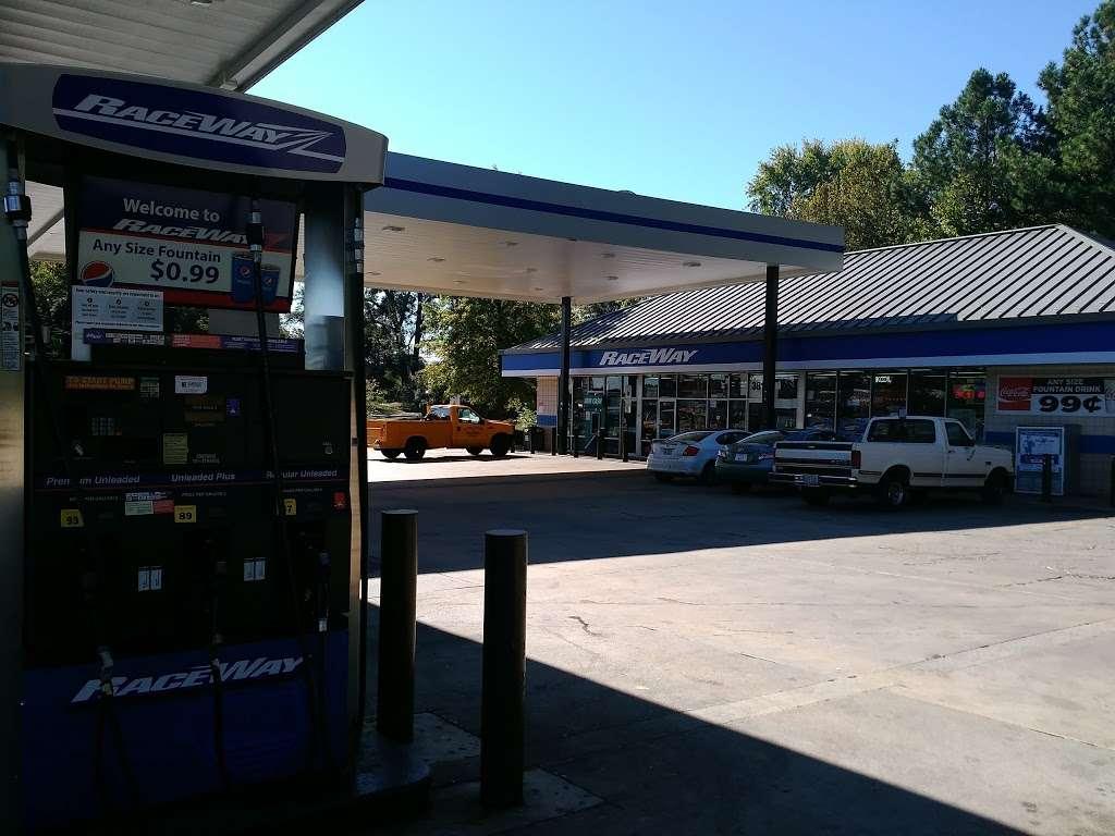 Raceway - convenience store  | Photo 8 of 10 | Address: 3815 Brookshire Blvd, Charlotte, NC 28216, USA | Phone: (704) 391-0071