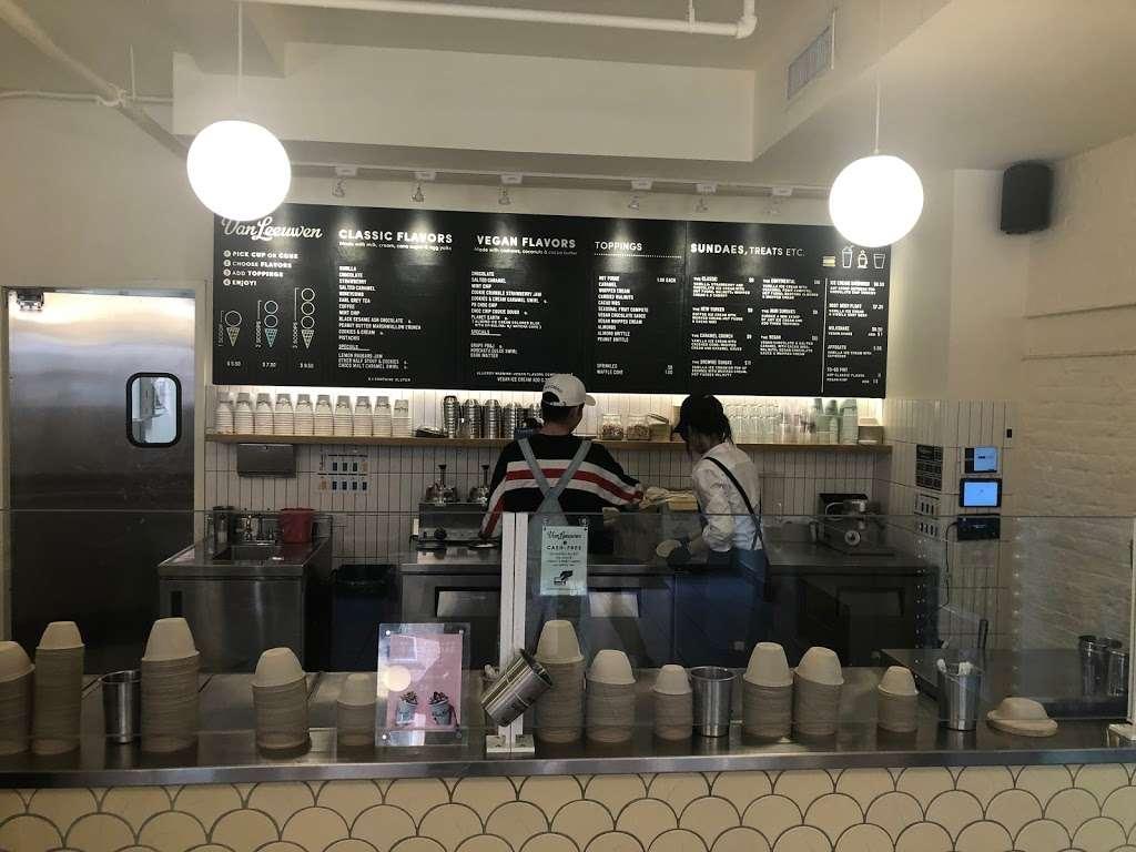 Van Leeuwen Ice Cream - cafe  | Photo 6 of 10 | Address: 224 Front St, New York, NY 10038, USA | Phone: (917) 261-6376