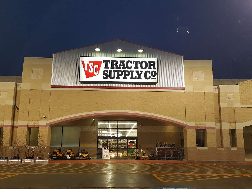 Tractor Supply Co. - hardware store  | Photo 7 of 10 | Address: 12466 Interstate 45 N Ste B, Willis, TX 77378, USA | Phone: (936) 856-1549