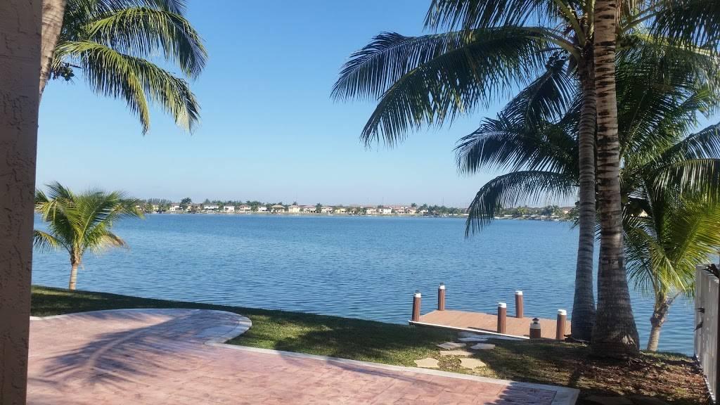 Venezia Lakes - real estate agency  | Photo 1 of 5 | Address: 14341 SW 129th Ave, Miami, FL 33186, USA | Phone: (305) 255-2086