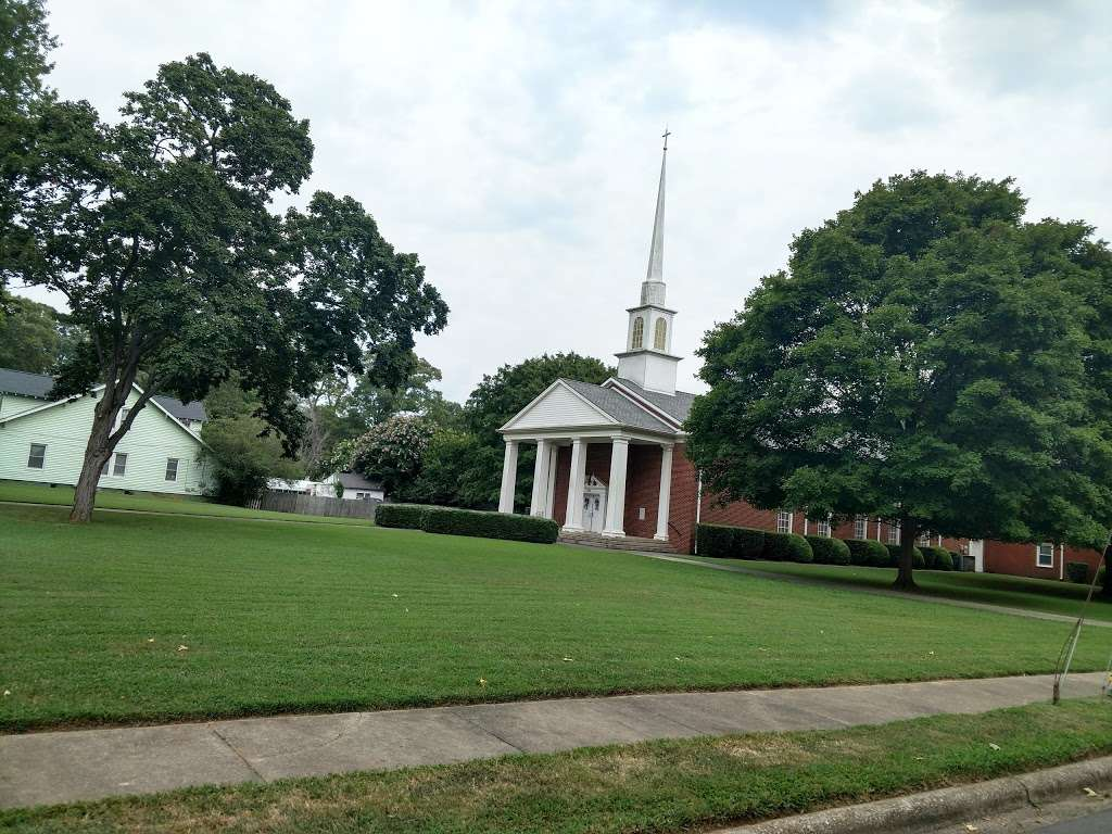 North Main Baptist Church - church  | Photo 5 of 9 | Address: 1501 N Main St, Salisbury, NC 28144, USA | Phone: (704) 637-2929