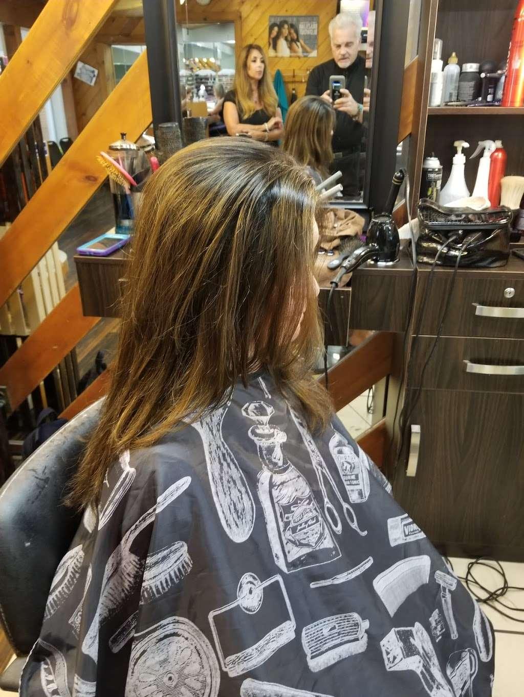 Wild Hairs Salon - hair care  | Photo 7 of 10 | Address: 508 Denise Ct, Williamstown, NJ 08094, USA | Phone: (856) 629-4712