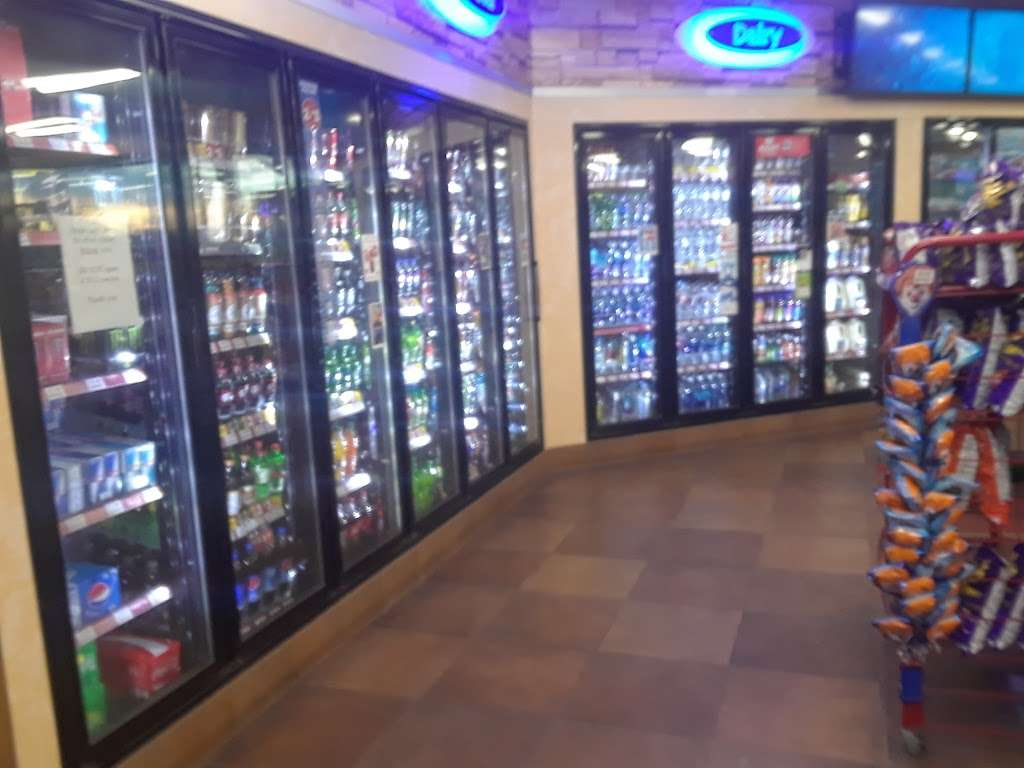Circle K - convenience store  | Photo 9 of 10 | Address: 10963 West I-25 Frontage Road, Longmont, CO 80504, USA | Phone: (303) 678-0539