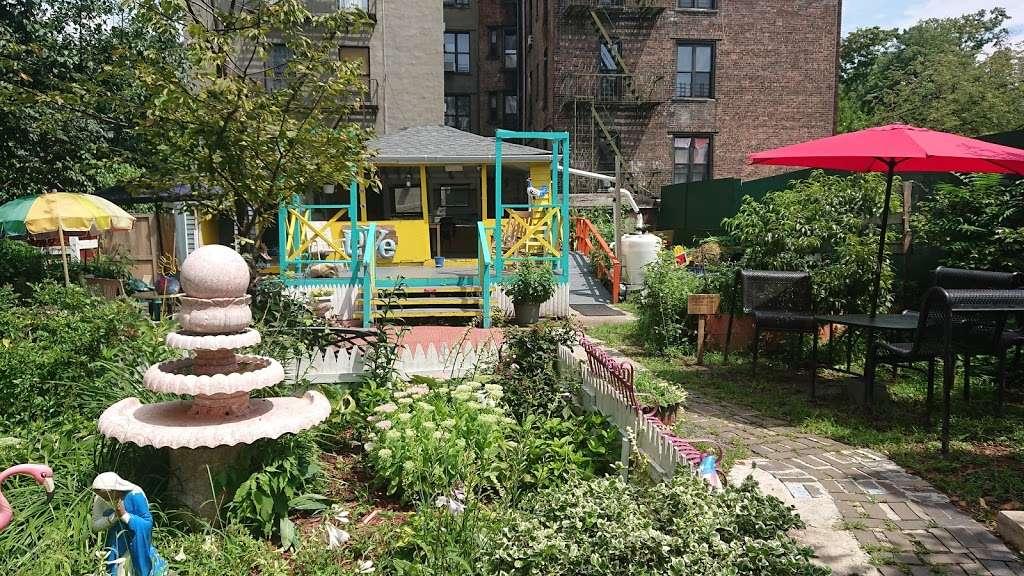 Hornaday Community Garden - park    Photo 3 of 10   Address: 851 Hornaday Pl, Bronx, NY 10460, USA   Phone: (347) 847-2525