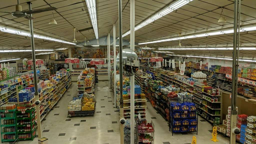 One Stop Food & Liquors - store  | Photo 1 of 10 | Address: 4301 S Lake Park Ave, Chicago, IL 60653, USA | Phone: (773) 624-4444