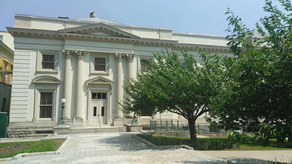 Old Barracks Museum - museum  | Photo 3 of 10 | Address: 101 Barrack St, Trenton, NJ 08608, USA | Phone: (609) 396-1776