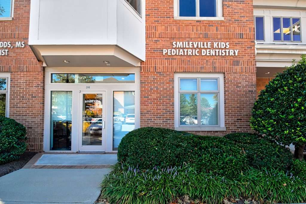 Smileville Family Dental - dentist  | Photo 5 of 10 | Address: 46165 Westlake Dr Suite 200, Sterling, VA 20165, USA | Phone: (703) 665-3810