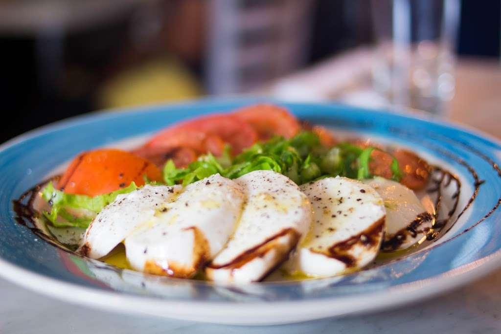 Song E Napule NYC - restaurant  | Photo 7 of 10 | Address: 2561, 146 W Houston St, New York, NY 10012, USA | Phone: (212) 533-1242