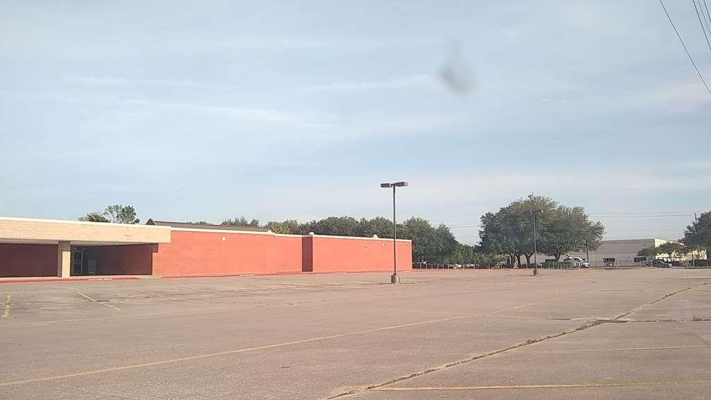 Thomas Gray Elementary School - school  | Photo 1 of 3 | Address: 700 West Road, Houston, TX 77038, USA | Phone: (281) 878-0660