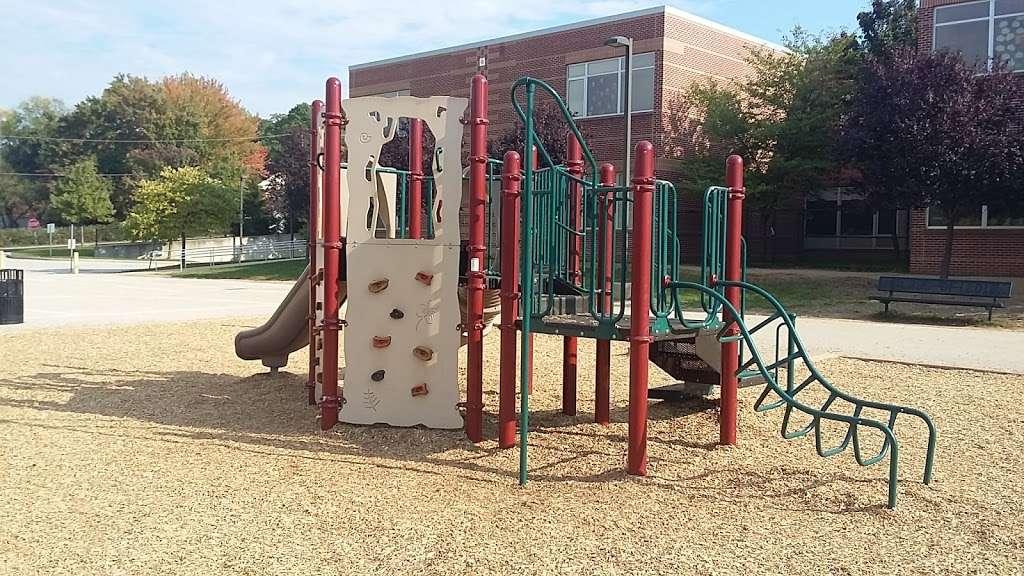 Overlook Elementary School - school  | Photo 2 of 10 | Address: 2001 Old Welsh Rd, Abington, PA 19001, USA | Phone: (215) 657-0857