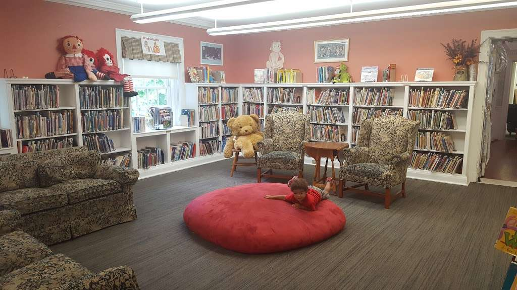 Bronxville Public Library - library  | Photo 4 of 7 | Address: 201 Pondfield Rd, Bronxville, NY 10708, USA | Phone: (914) 337-7680