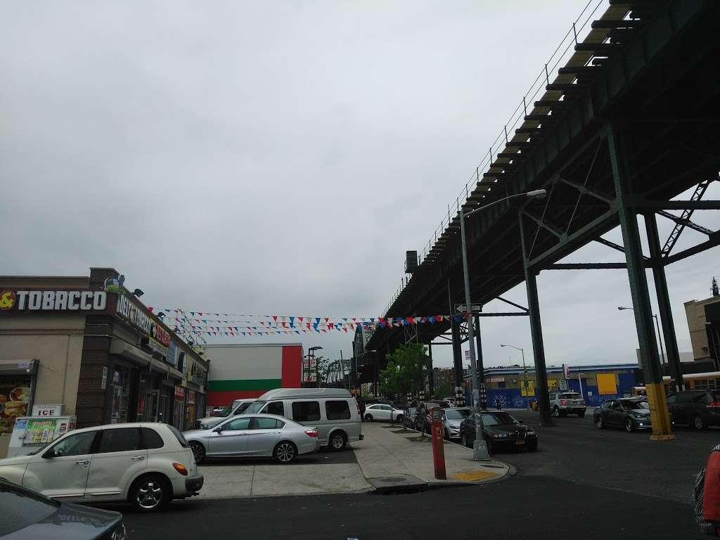 J Colgate - clothing store    Photo 8 of 10   Address: 1173-1199 Colgate Ave, Bronx, NY 10472, USA   Phone: (718) 620-6616