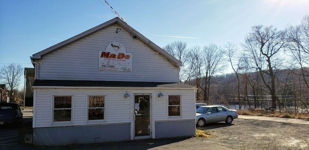 Ma-De-Chat Shop - cafe  | Photo 3 of 10 | Address: 8 Railroad Ave, Milford, NJ 08848, USA | Phone: (908) 995-2980