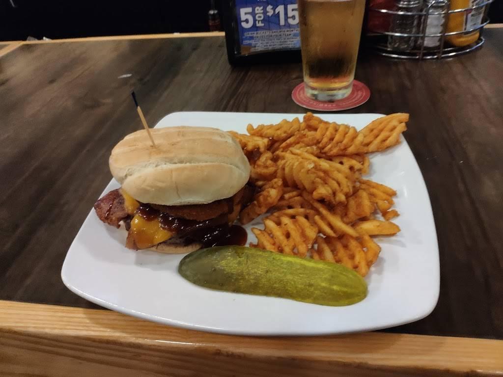 Headquarters Bar & Grill - restaurant  | Photo 6 of 10 | Address: 101 Concord Dr, Oregon, WI 53575, USA | Phone: (608) 291-0750