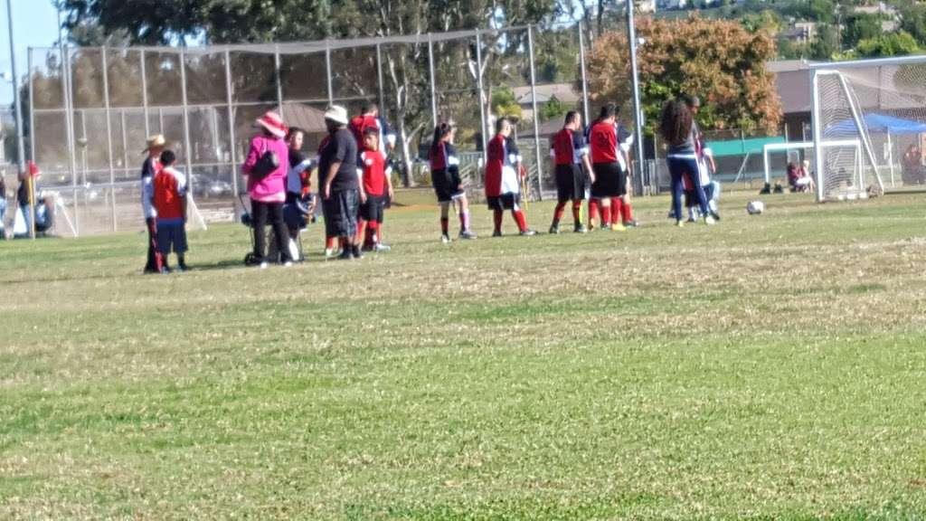 Behringer Park Athletic Facility - park  | Photo 5 of 10 | Address: 15900 Alicante Rd, La Mirada, CA 90638, USA | Phone: (562) 943-7277
