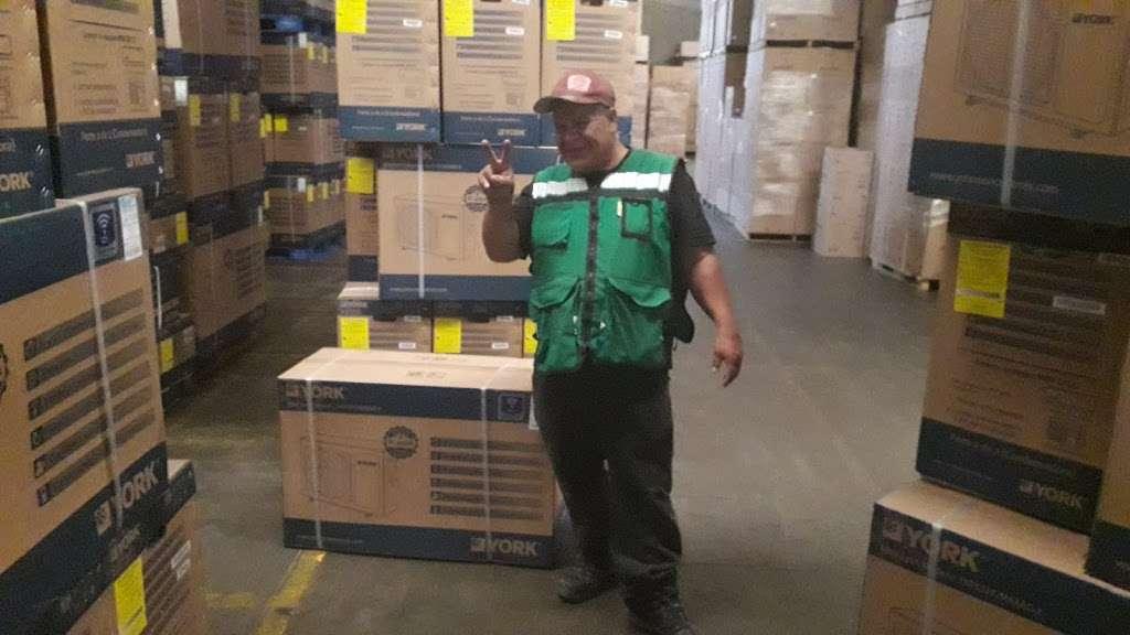 Ponce Distribuciones - storage  | Photo 4 of 7 | Address: Baños de Agua Caliente 3820, 20 de Noviembre, 22100 Tijuana, B.C., Mexico | Phone: 664 622 3046